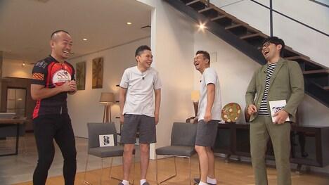 (左から)兼子ただし、爆笑問題・太田、くりぃむしちゅー上田、浜ロン。(c)中京テレビ