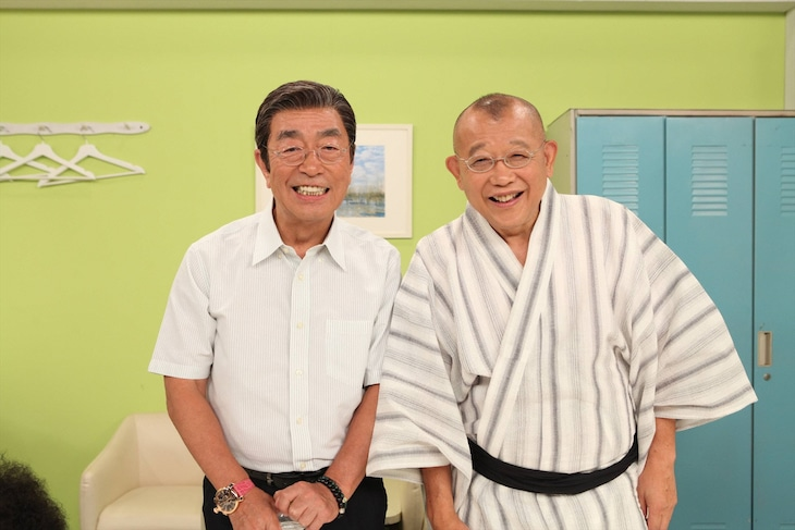 「志村けんのだいじょうぶだぁ真夏の暑気笑いスペシャル」に出演する(左から)志村けん、笑福亭鶴瓶。(c)フジテレビ