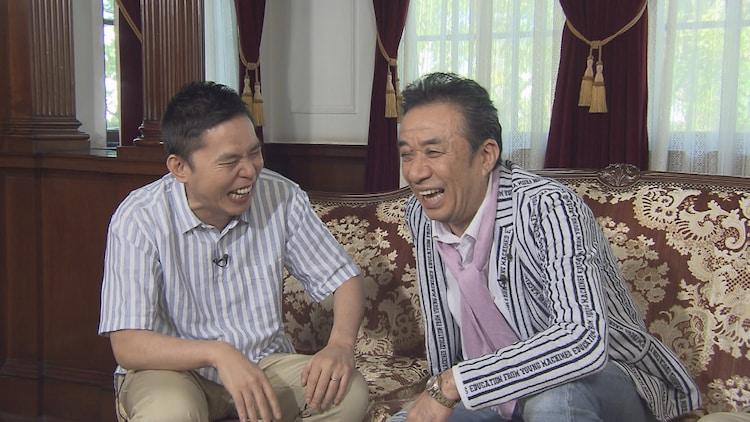 (左から)爆笑問題・太田、渡辺正行。(c)中京テレビ