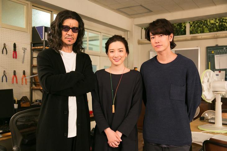 左から内村光良、永野芽郁、佐藤健。(c)NHK