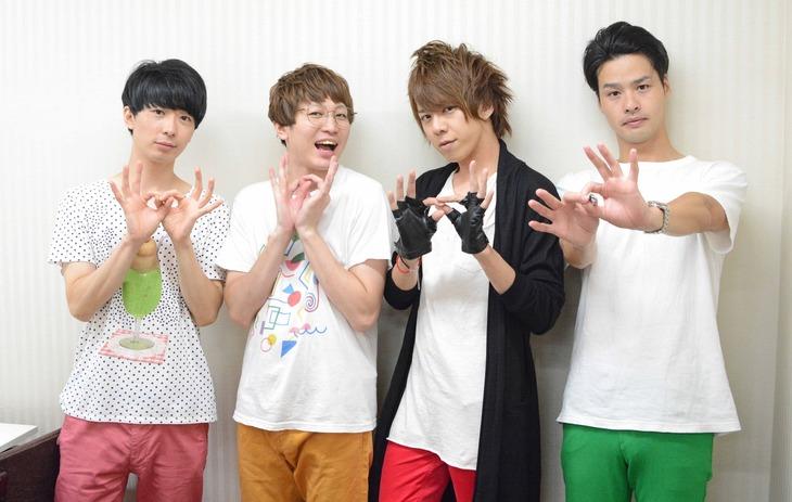 JUNK∞TIONの(左から)Akky、Yoshi、J、NOBU。