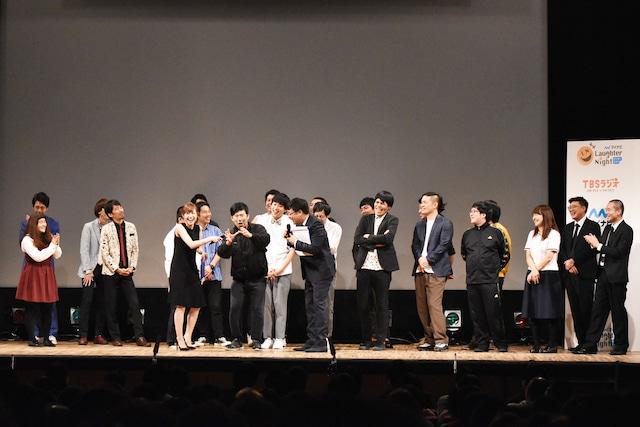 ライブ出演者が勢揃いしたトークのワンシーン。