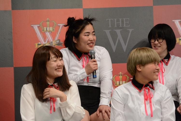 「女芸人No.1決定戦 THE W」決勝進出者会見の様子。