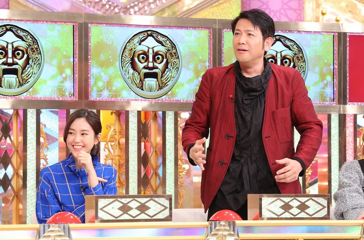 左から桐谷美玲、別所哲也。(c)日本テレビ