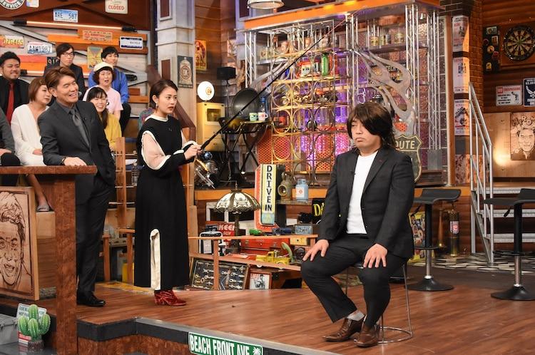 """ギャロップ林の""""カツラフィッシング""""に挑戦する高畑充希。(c)日本テレビ"""