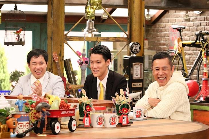 「おかべろ」に出演する(左から)霜降り明星、ナインティナイン岡村。(c)関西テレビ