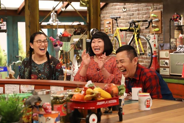 「おかべろ」に出演する(左から)たんぽぽ、ナインティナイン岡村。(c)関西テレビ