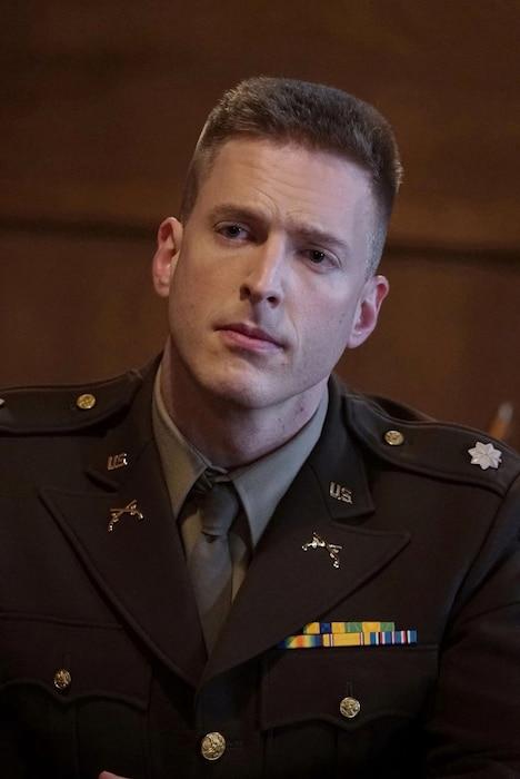 厚切りジェイソン演じるホプキンズ。