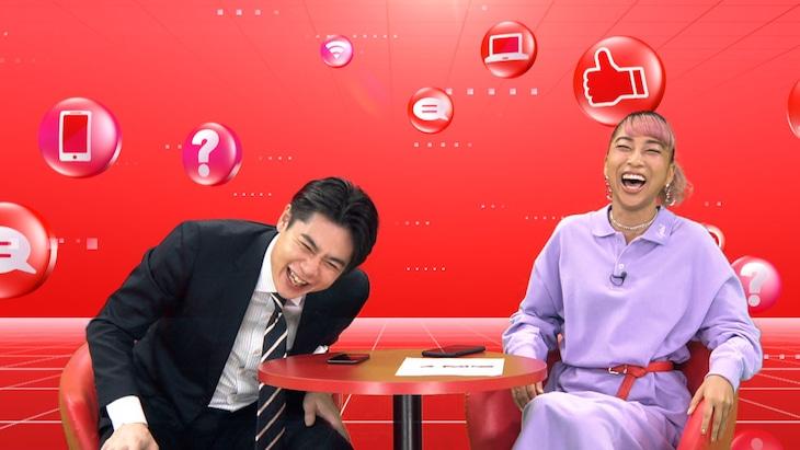 MCの平成ノブシコブシ吉村、青山テルマ(左から)。(c)テレビ朝日
