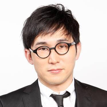 英語の広田先生を演じるシソンヌじろう。