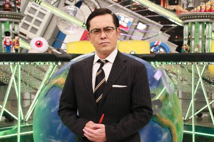 「全力!脱力タイムズ」MCのアリタ哲平(くりぃむしちゅー有田)。(c)フジテレビ