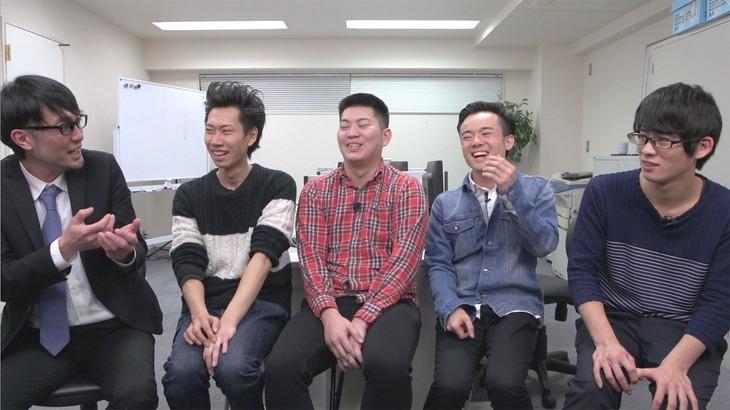 スパローズ大和(左端)とトークする男スペシャル、マリオネットブラザーズ。
