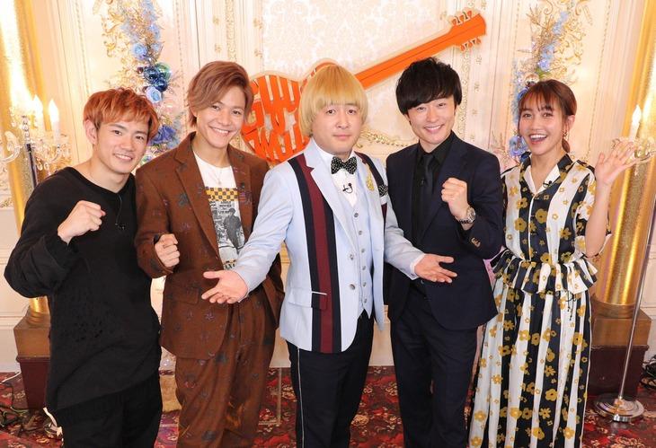 「ギュッとミュージック」の出演者たち。(c)関西テレビ