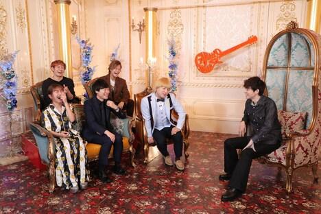 ゲストに菅田将暉(右)を迎えるコーナーのワンシーン。(c)関西テレビ