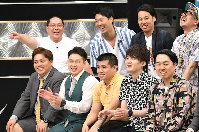 「有田ジェネレーションズ」のメンバーたち。(c)TBS