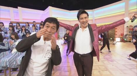 明石家さんま(左)と郷ひろみ(右)。(c)NHK