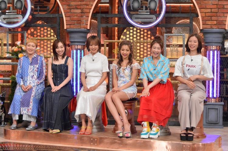 左から丸山桂里奈、須田亜香里、夏菜、ゆきぽよ、西野未姫、朝日奈央。(c)読売テレビ