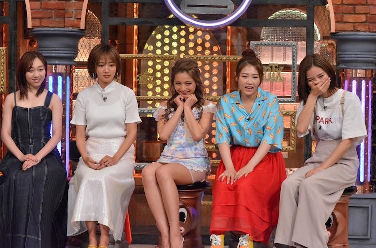左から須田亜香里、夏菜、ゆきぽよ、西野未姫、朝日奈央。(c)読売テレビ