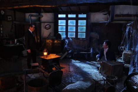 (左から)タモリ、佐藤二朗。(c)フジテレビ