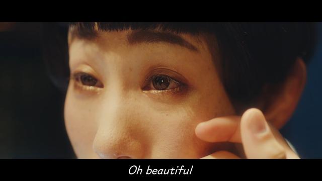 Web動画「変わる女、求めだす男、めっちゃええホテルでのアバンチュール。#瞳ポエム」より。