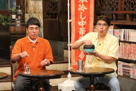 (左から)おぎやはぎ小木、石橋貴明。(c)フジテレビ