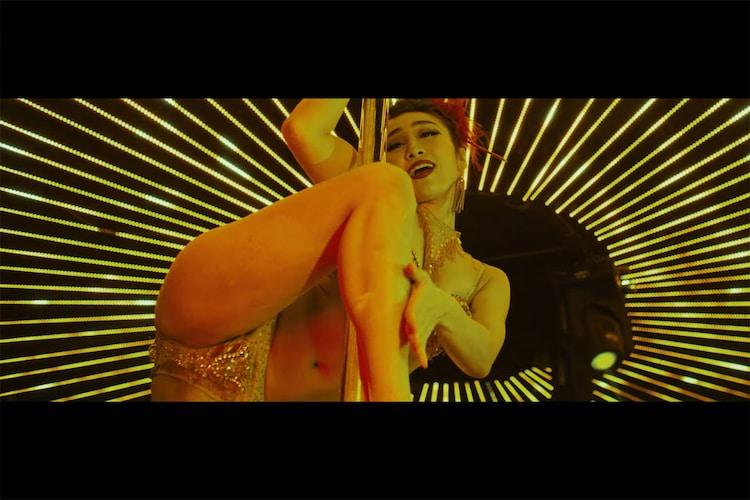 「SAY KOU SHOW」MVより。