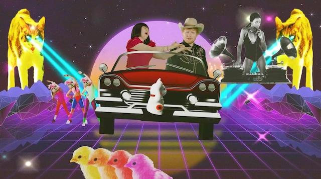 ブルゾンちえみが出演する、エド・シーラン「アイ・ドント・ケア」日本版ミュージックビデオのワンシーン。