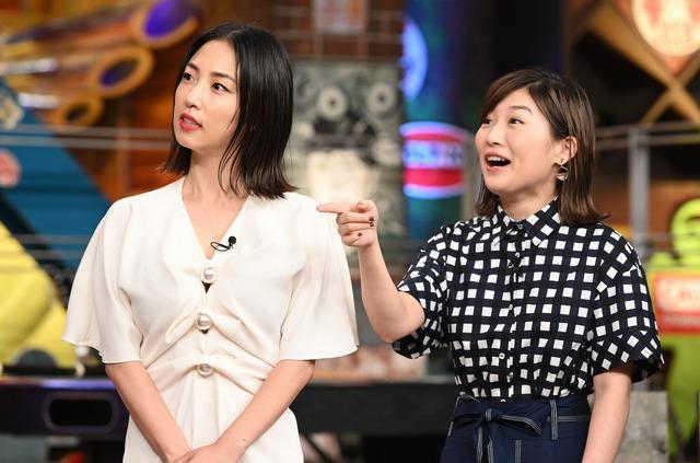 左からMEGUMI、伊藤沙莉。(c)日本テレビ