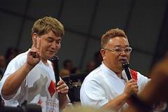 安倍 総理 マン サンドイッチ