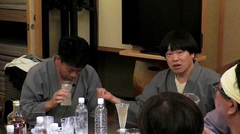 (左から)宮川大輔、雨上がり決死隊・蛍原。(c)フジテレビ