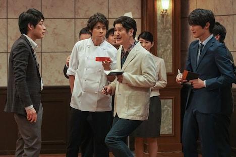 人気コント「囲み取材」には麒麟・川島、山田裕貴が参加。(c)NHK
