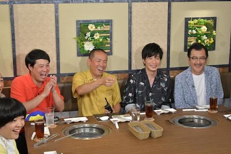 おかずクラブ・オカリナ(手前左)ら。(c)テレビ朝日