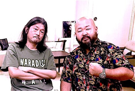 左から東京キララ社・中村保夫氏、東京ダイナマイト・ハチミツ二郎。