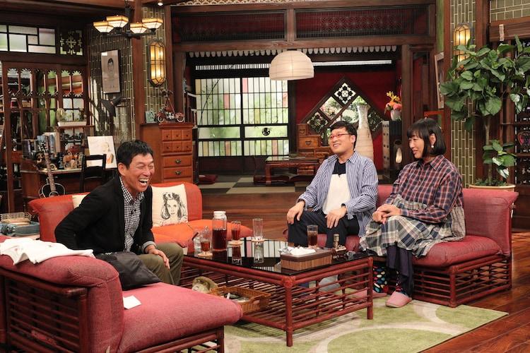 「さんまのまんま 俺もそろそろ結婚したいなSP」に出演する(左から)明石家さんま、南海キャンディーズ。(c)関西テレビ