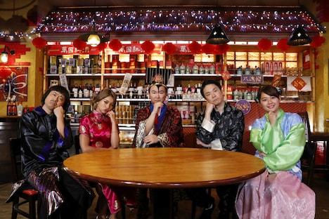 (左から)次長課長・河本、ゆきぽよ、かまいたち、谷元星奈アナ。(c)関西テレビ