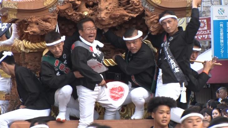 泉大津だんじり祭りに乗り手として参加するオール阪神。(c)MBS