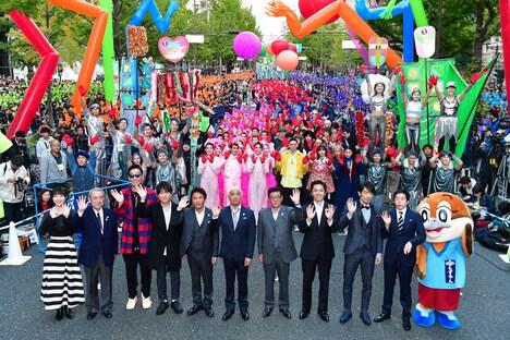 「御堂筋オータムパーティー2018 御堂筋ランウェイ」の様子。