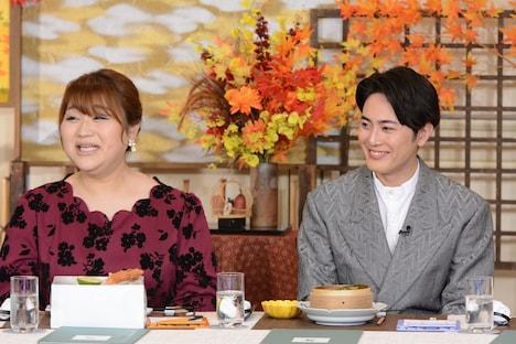 左からりんごちゃん、間宮祥太朗。(c)日本テレビ