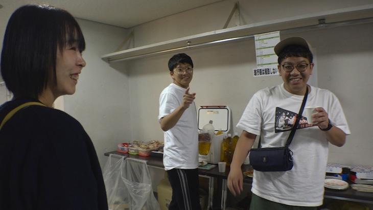 「セブンルール」に出演するK-PRO代表の児島気奈氏(左)とミキ。