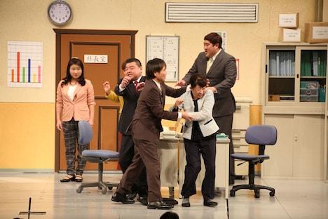 佐藤武志が参加した吉本新喜劇の様子。