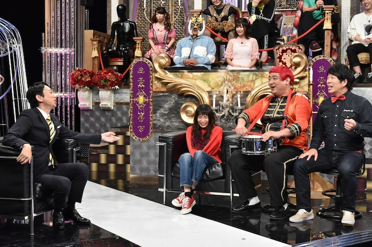 前列左から有吉弘行、トミタ栞、デッカチャン、TOKYO COOL・カンカン。(c)日本テレビ