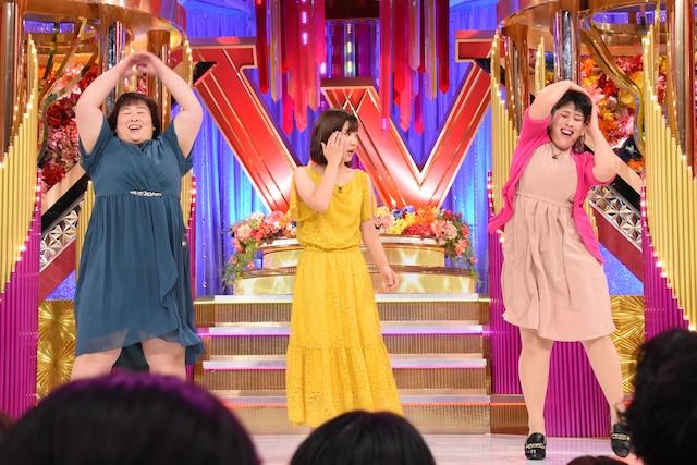 最終決戦でネタを披露する3時のヒロイン。(c)日本テレビ