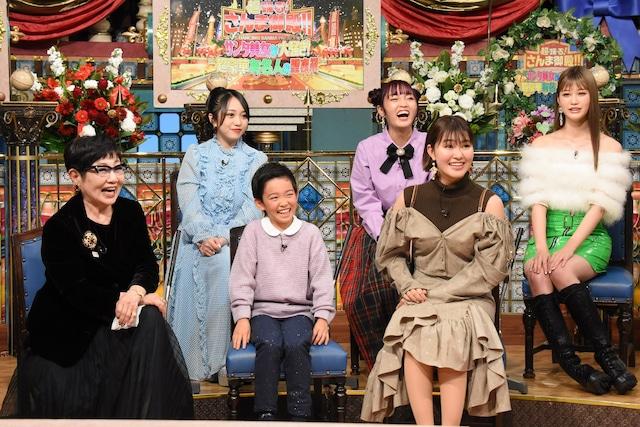 「超踊る!さんま御殿!!サンタ美女が大騒ぎ!超豪華有名人の聖夜祭」のワンシーン。(c)日本テレビ