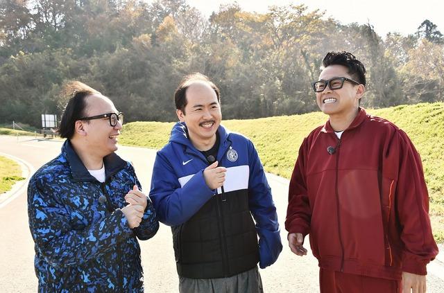 左からトレンディエンジェル、宮川大輔。(c)日本テレビ