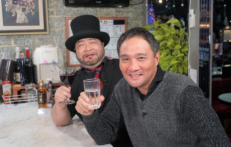 左から髭男爵・山田ルイ53世、竹原慎二。