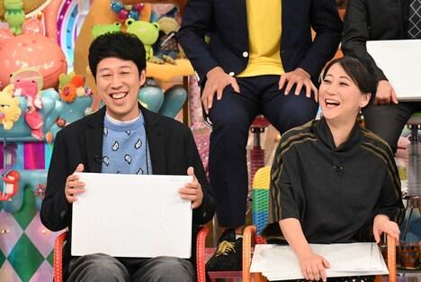 (左から)小籔千豊、友近。(c)テレビ朝日