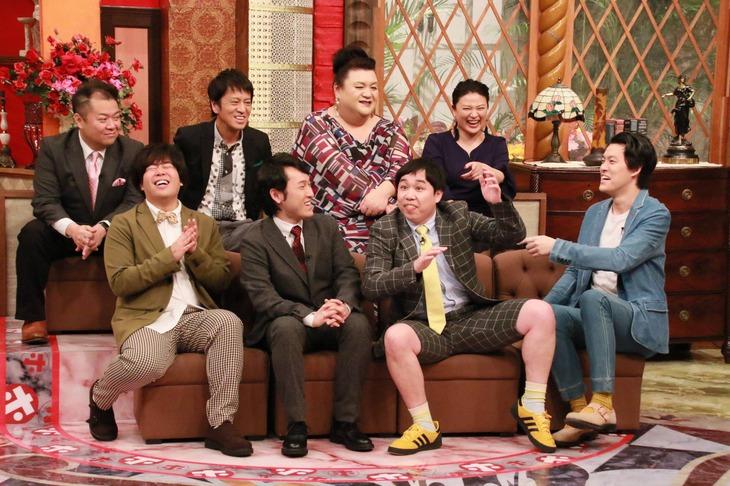 「ホンマでっか!?TV」に出演する(手前左から)宮下草薙、霜降り明星ら。(c)フジテレビ