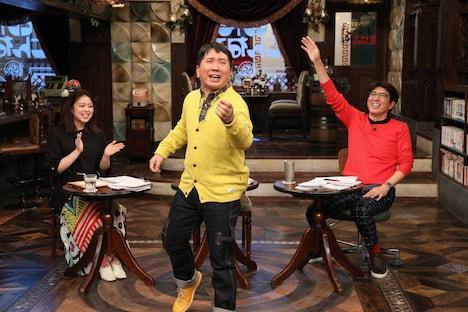 (左から)杉原千尋アナ、爆笑問題・田中、石橋貴明。(c)フジテレビ