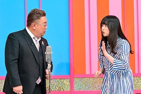 (左から)サンドウィッチマン伊達、桜井日奈子。(c)TBS
