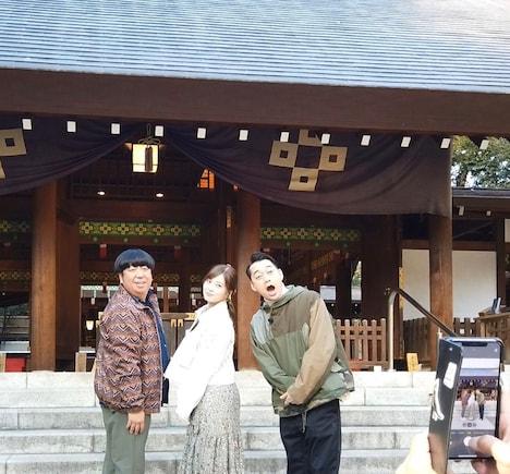 バナナマンと白石麻衣。(c)テレビ朝日